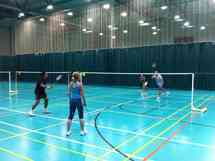 Badminton - Friday 5.10. close to Plainpalais 7-9 Picture